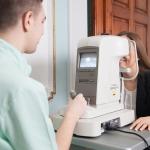 Kivizsgálás a lézeres látásjavító szemműtét előtt